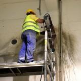 A betonfúrás kezdete 4 méter magasban